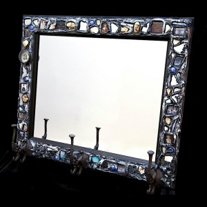 mosaic mirror with hooks1
